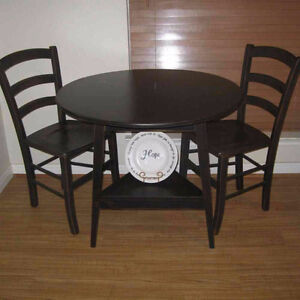 Bistro or small dinette table wanted with two chairs