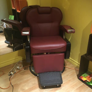 Barber Chair - Almost New!