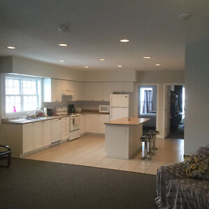 Luxurious, Convenient, Affordable Student Housing - May 1st 2017 Peterborough Peterborough Area image 5