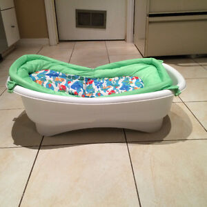baby bathtub kijiji free classifieds in mississauga. Black Bedroom Furniture Sets. Home Design Ideas