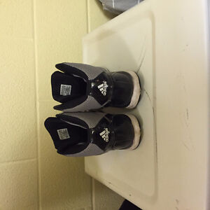 Adidas Basketball shoes Kitchener / Waterloo Kitchener Area image 4