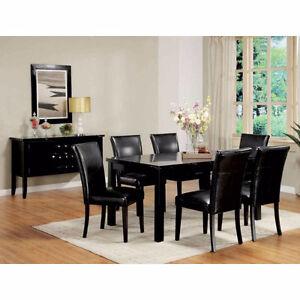 ✔ Chaise table à diner en cuir noir neuf jamais utiliser.