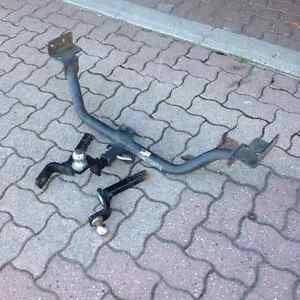 Smaller vehicle trailer hitch