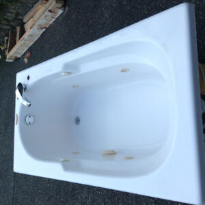 Jacuzzi Tub in great condition with plumbing.