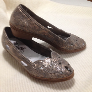 Ladies New Reikers Antistress Slip On Shoes size 7 1/2