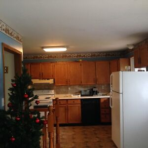 LARGE FURNISHED SIX BED ROOM HOME IN PORT HOPE -FOR CONTRACTORS Peterborough Peterborough Area image 4