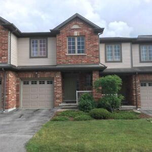 Great location 3bedroom condo for lease