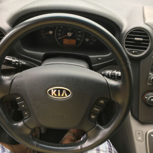 Priced to sell - 7 seater CUV utilitarian reliable Kia Rondo