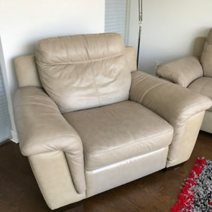 Reclining armchair for Sale!!!