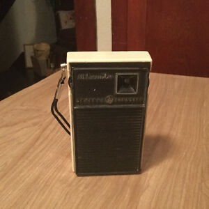 PRICE REDUCED! Vintage mini radio for sale Regina Regina Area image 1