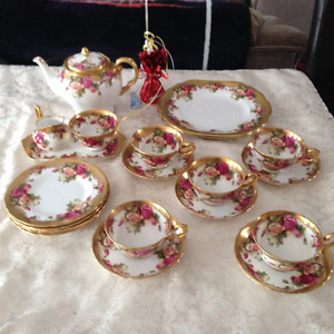 Golden Rose Dishes