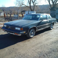 PARTING 1988 CUTLASS SUPREME CLASSIC 307 V8 LOTS OF GOOD STUFF