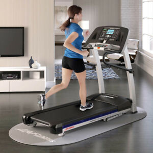Life Fitness F1 Smart Folding Treadmill *NEW*