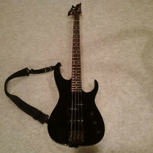IBANEZ RD707 BASS GUITAR