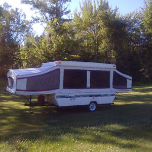 """""""PALOMINO"""" Hardtop CAMPER TRAILER - Ready for Fall Adventures !!"""