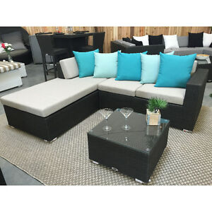 BRAND NEW Outdoor 2 piece sectional plus table