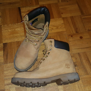 """Timberland 6"""" Boots (Mens 9)"""