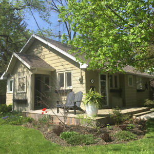 Charming Cottage for rent weekly in Port Dover