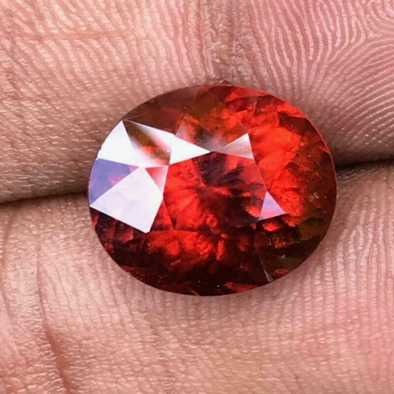 10.65 CTS_ULTRA RAREST 100% NATURAL UNHEATED VOLCANIC FIRE RED HESSORNITE GARNET