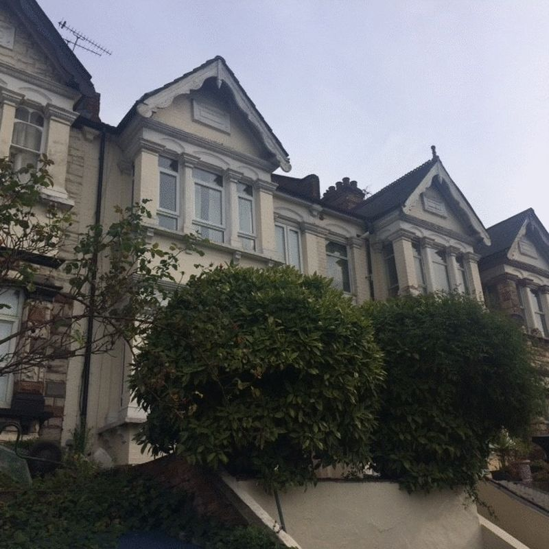 1 bedroom house/flat share in West Hendon Broadway, The Hyde, NW9