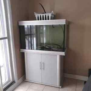 Fish tank for sale, tank only no filter 200$
