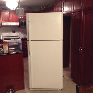 Excellent Condition Fridge