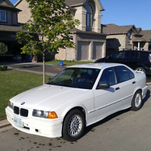 1993 BMW 318i - LOW Kms - IMMACULATE CONDITION