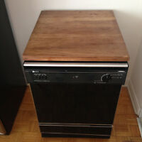 portable Maytag dishwasher in good condition