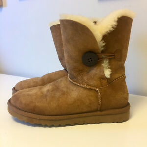 Lightly Used Uggs Size 7
