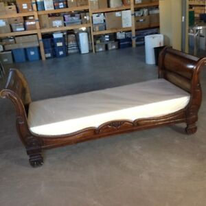 Antique daybed sleigh bed