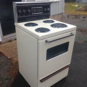 """WANTED 24"""" White Stove"""