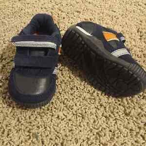 Cherokee Boy's Shoes - size 5 Kitchener / Waterloo Kitchener Area image 2