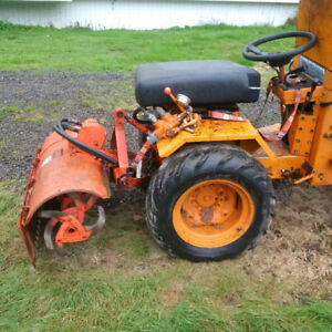 Parting out Case GT tractors 220,444 and 446
