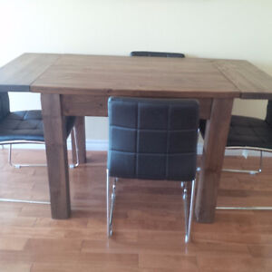 Reclaimed Pine Dining Table and Vinyl Chairs Belleville Belleville Area image 2