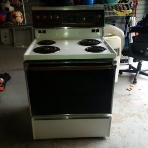 Electric stove (30inches wide)
