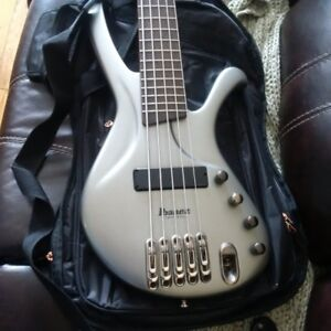 IBANEZ   5 String Bass for sale model EDA 905