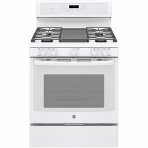 GE Profile 30-inch gas range, convection, white