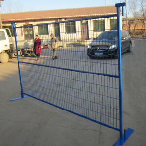 Wire mesh fence for construction