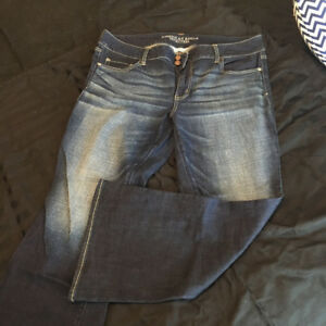Women's American Eagle Flare Jeans