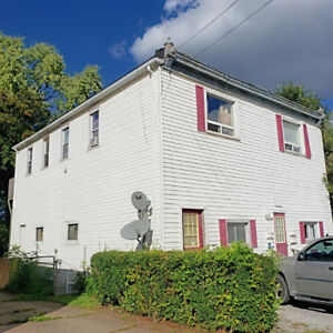 Legal FOURPLEX for Sale in Niagara Falls $41k/rental income