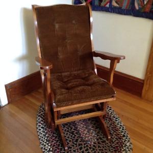 Wooden rocking chair/glider