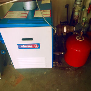 MINI GAS ENERGY EFFICIENT BOILER - EXCELLENT USED CONDITION
