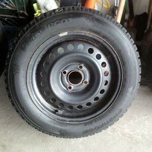 "16"" Goodyear Nordic Snow Tires on Rims off Hyundai 205 60 16"