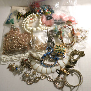 Lot Jewelry for parts 2 Pounds Kitchener / Waterloo Kitchener Area image 1