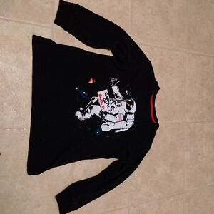 Boys Size 6/7 Long Sleeve Spaceman T-shirt by Old Navy