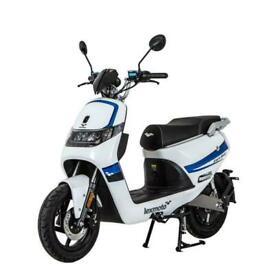 Lexmoto Impulse Fully Electric Bosch 50cc Legal- 40 Mile Range- Bluetooth - NEW