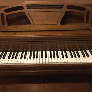 Mason & Risch upright piano West Island Greater Montréal image 3