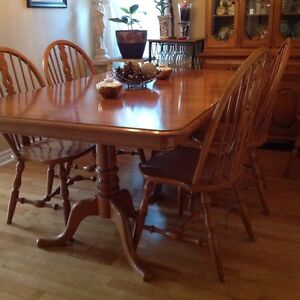 Solid Maple Dining Table And Chairs Buy Sell Items