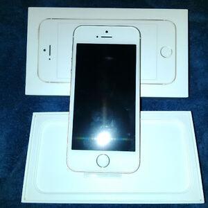 New iPhone SE 64 GB (Fido)