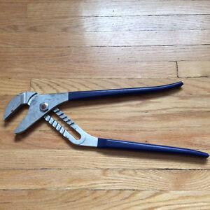 "Adjustable 16"" Long Handle Wrench/Plier"
